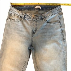 Kensie jeans size 6/28 cropped light wash …